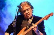 Morre Renato Barros, líder da banda Renato e Seus Blue Caps