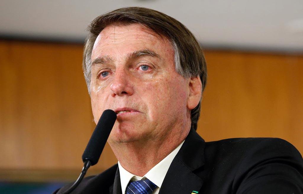 Bolsonaro passa bem após cirurgia para retirada de cálculo da bexiga