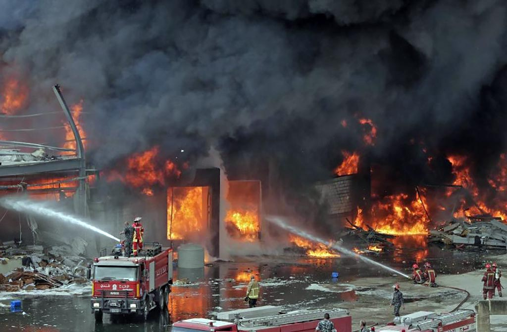 Incêndio atinge área do Porto de Beirute um mês após grande explosão