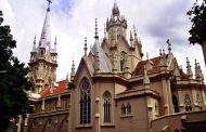 A polêmica história de uma capelinha que se tornou catedral
