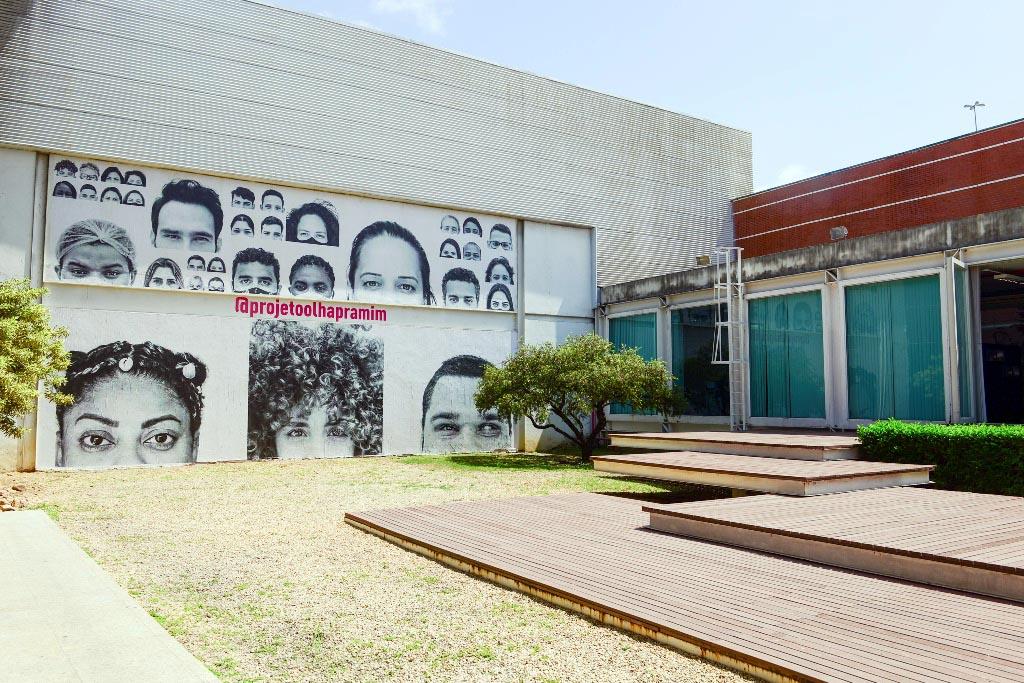 """Exposição """"Olha pra mim"""" em cartaz no Centro Cultural Usiminas"""
