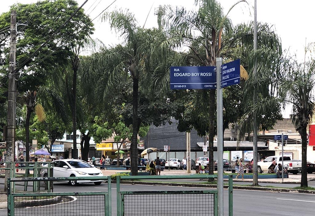 Ruas e avenidas de Ipatinga ganham placas indicativas