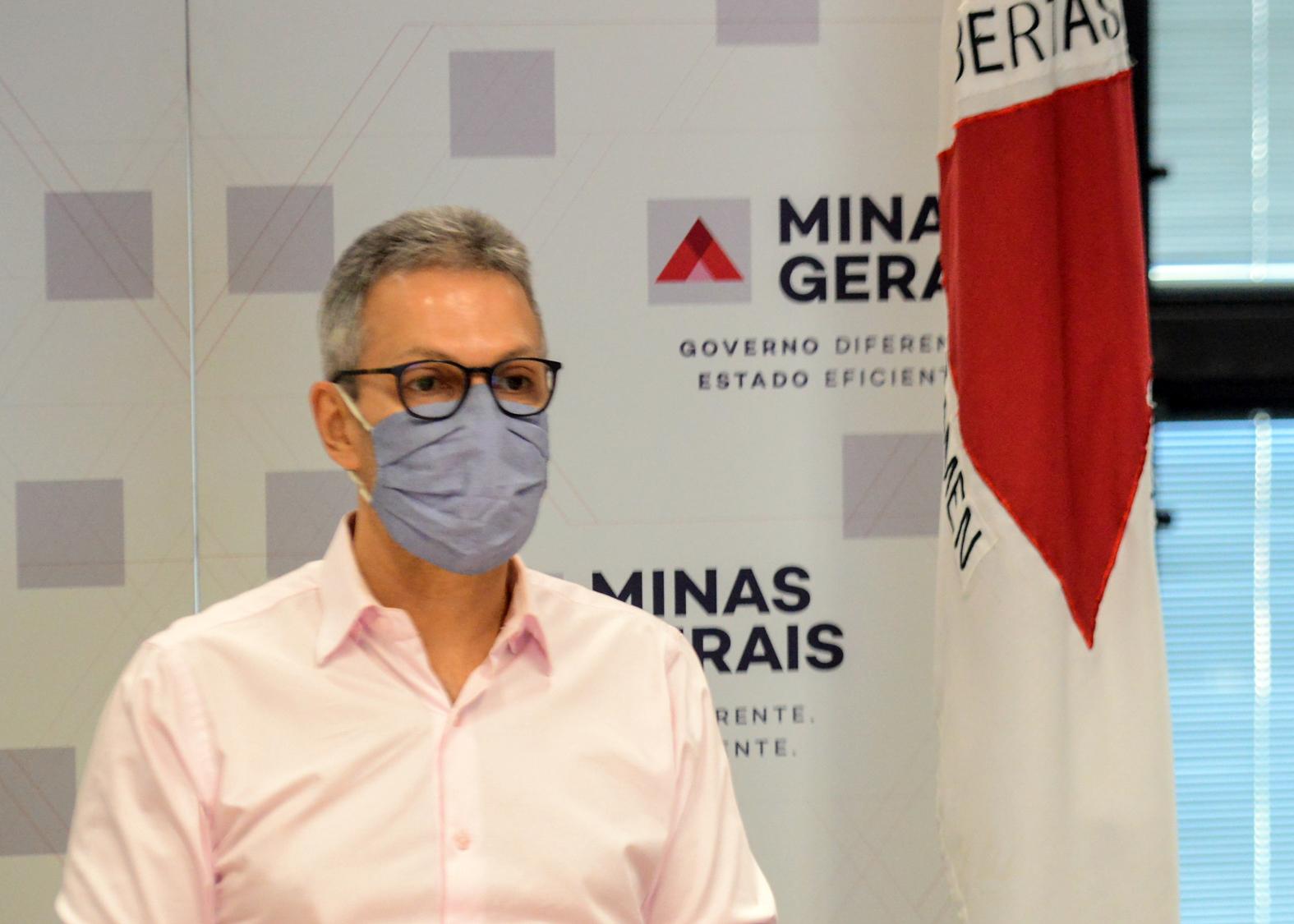 Vacinação contra Covid em Minas seguirá o Governo Federal, afirma Zema