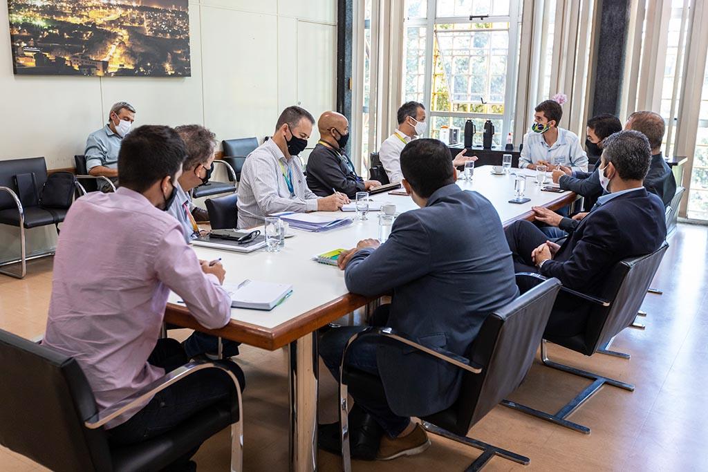 Ipatinga discute com a Copasa melhorias na prestação de serviços