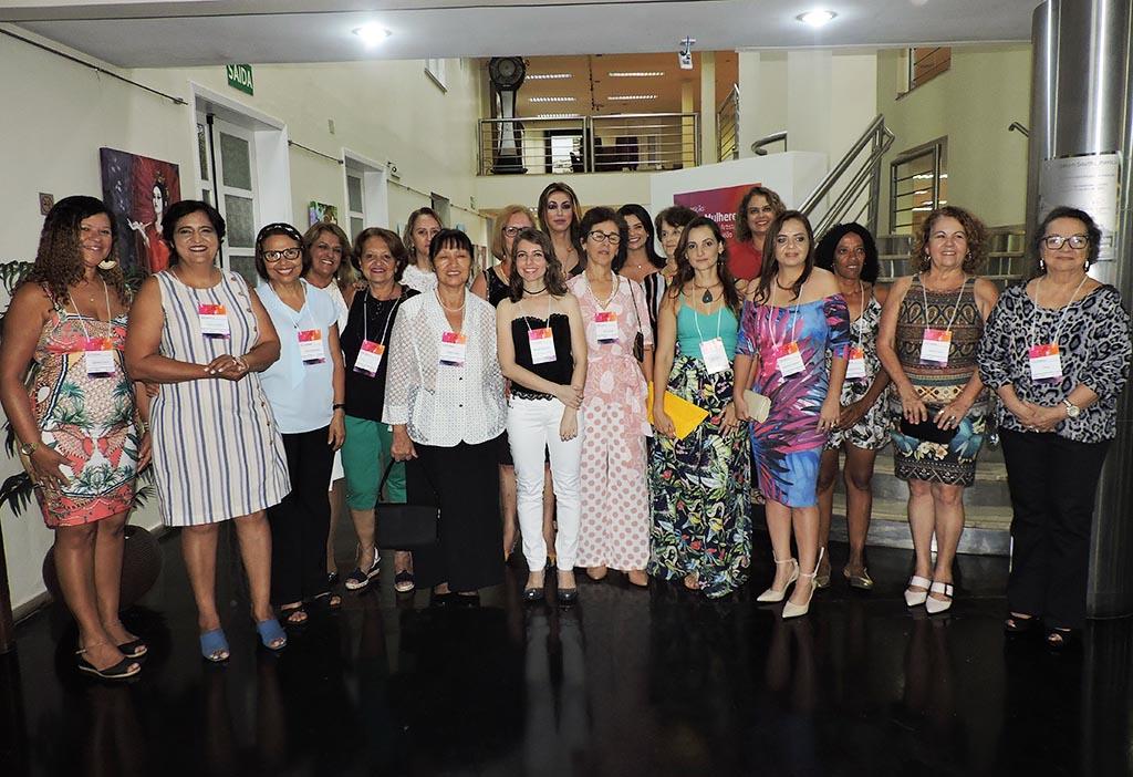 Exposição Essas Mulheres da Fundação Aperam ganha novo formato