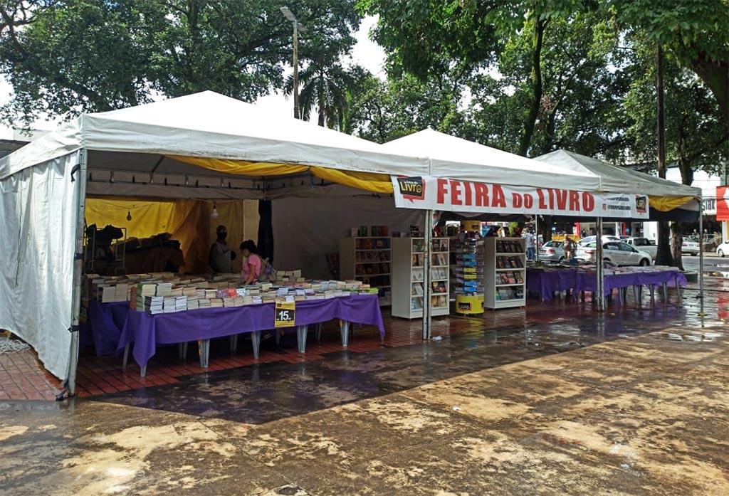 Feira Popular do Livro retorna a Ipatinga