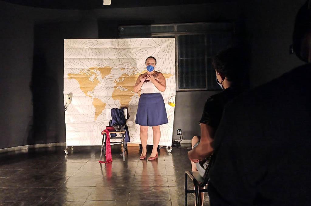 EMAC de Ipatinga realiza intercâmbio com grupo teatral Perna de Palco