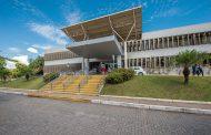 Hospital Márcio Cunha enfrenta cenário de superlotação