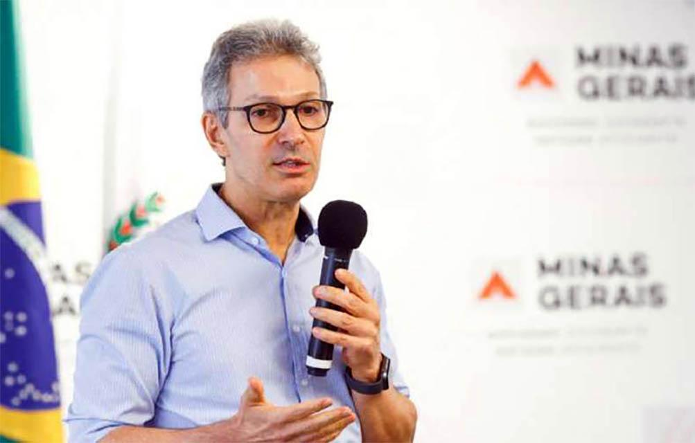 Governador anuncia o fim do parcelamento dos salários em Minas