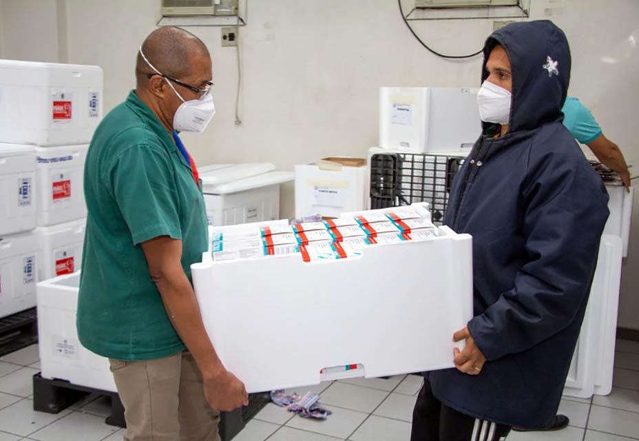 Governo de Minas realiza distribuição mais rápida de vacinas contra a Covid-19