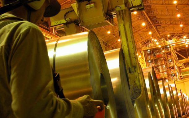 Produção brasileira de aço bruto tem alta de 20,9% até agosto