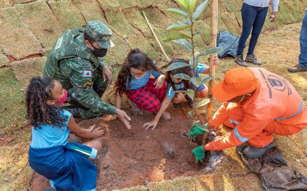 Ipatinga promove ações para celebrar o Dia da Árvore